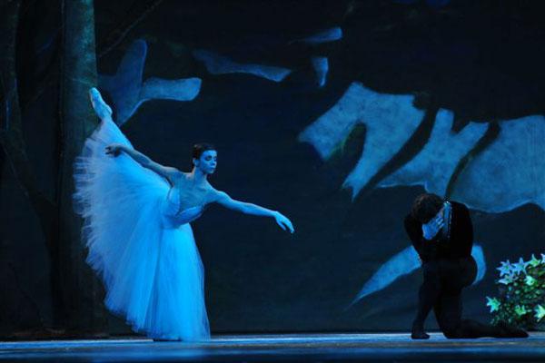 Escola Bolshoi 10 anos - Giselle