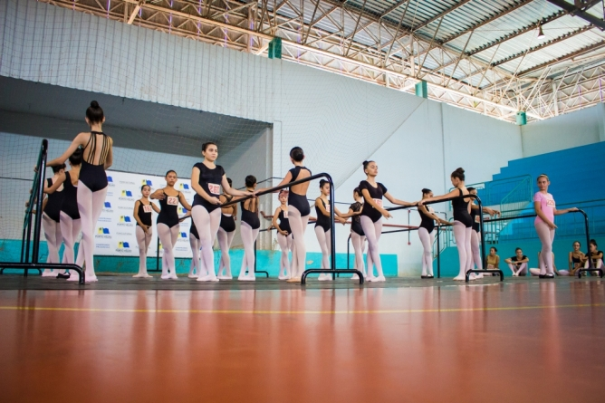 Escola Bolshoi realiza pré-seleção nas escolas públicas de Joinville