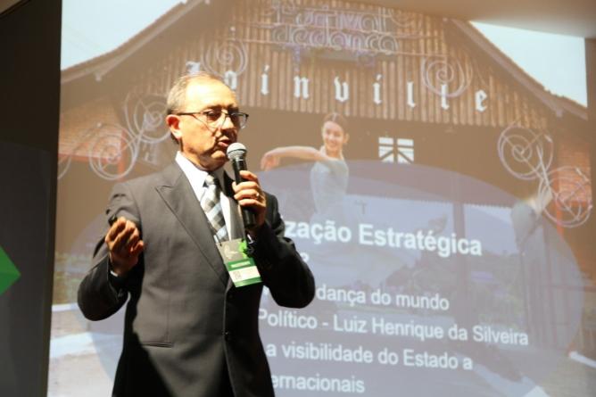 Presidente da Escola Bolshoi participa de Fórum com foco em turismo no Rio Grande do Sul