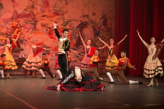 Gala Bolshoi apresenta Os Clássicos na Espanha