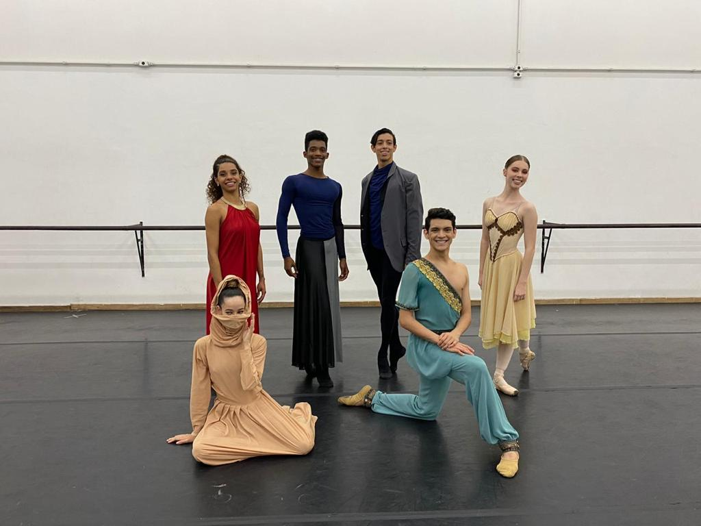 Mostra de dança com trabalhos da Cia. Jovem