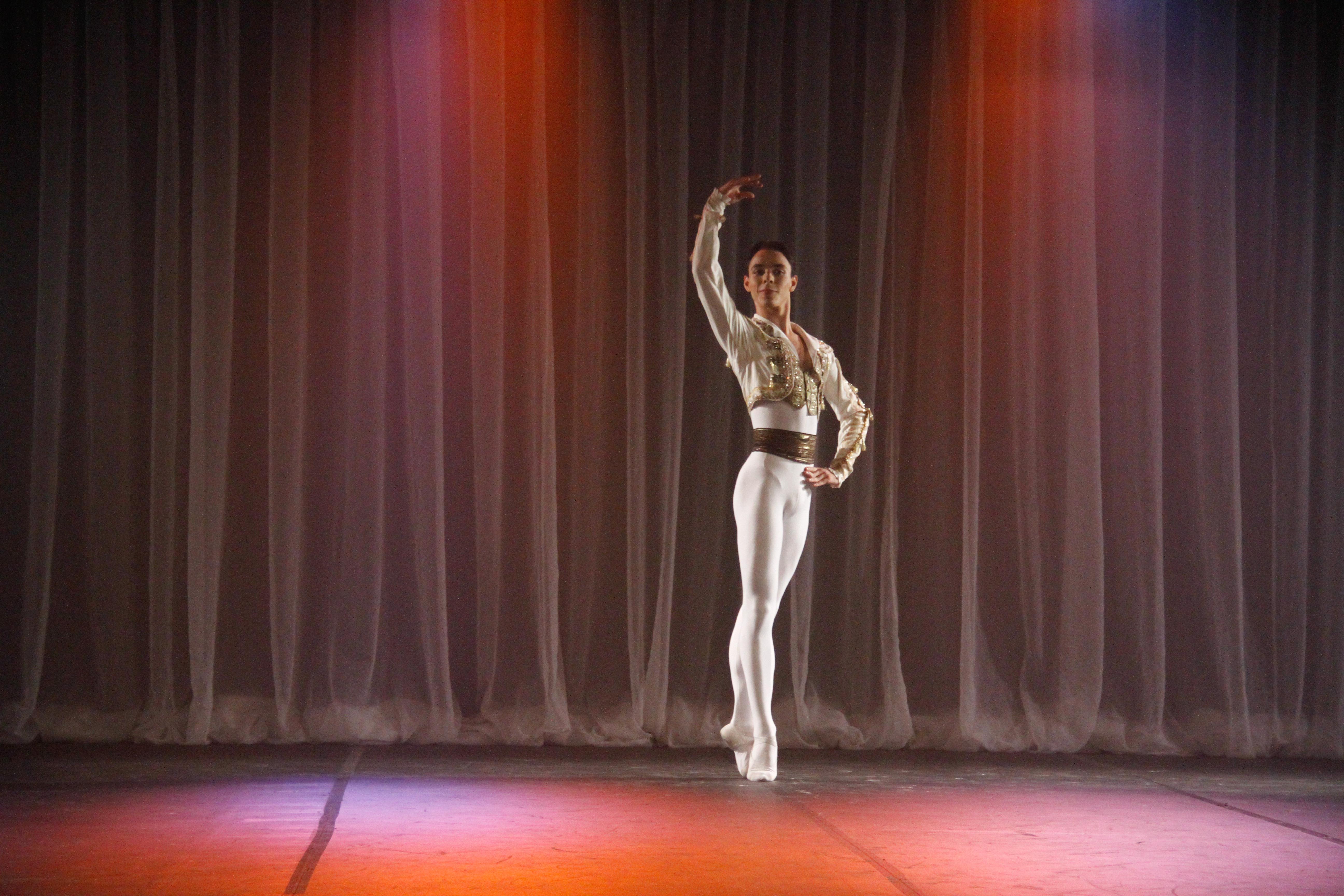 Bolshoi Brasil celebra o Dia da Dança com ações no mês todo