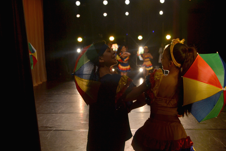 Escola Bolshoi faz participação especial em Mostra de Dança Infantil