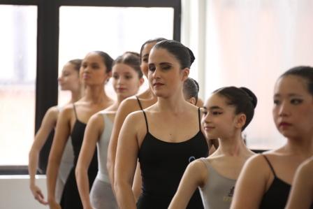 Um dia da Cia. Ballet de Cegos de SP na Escola Bolshoi